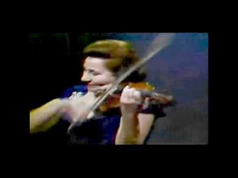 Erica Morini - Bruch Concerto violino (Movt 3) (HD)