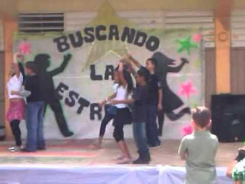 Mineyshka en el talent show de la escuela Violanta Jimenez.3gp