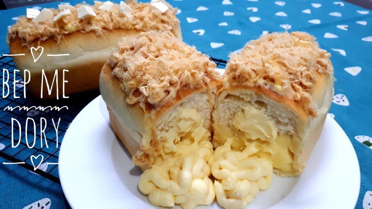 Soft and Fluffy Cream Cheese Bread With Pork floss – Bánh Mì Nhân Kem Pho Mai Phủ Chà Bông