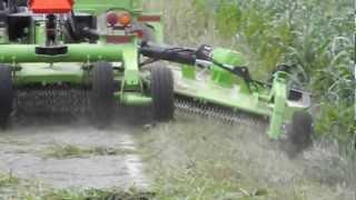 SCHULTE FLX1510 Flex Arm & XH1000 cutter mowing roadside