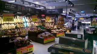 Хамон в испанском магазине