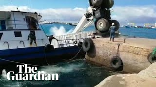 Barge loaded with 2,000 litres of diesel sinks in the Galápagos