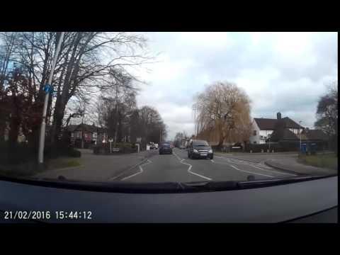 good Crime Driving using phone W451 LYV mercedez Cambridge 21feb16