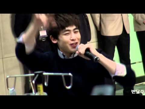 [Fancam] 111227 Samsung Medical Center - Hands up (Nichkhun)