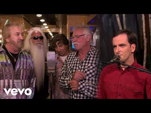 Bradley Walker - Family Bible (Live) ft. The Oak Ridge Boys