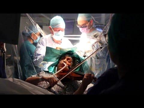 Woman Incredibly Plays Violin During Brain Tumor Surgery