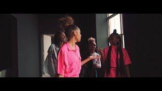 Смотреть клип Gabby And Madi - Runnin Through My Mind