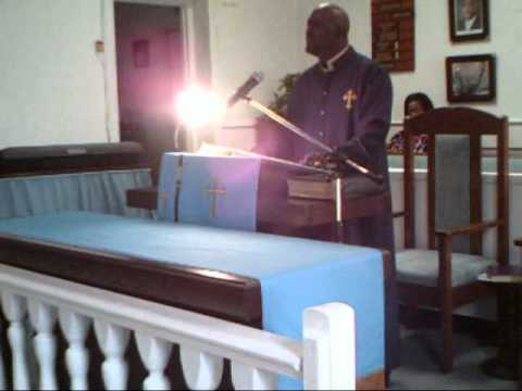 Bishop Mungro at Grays Chapel FBH (To much time on your hand 2).wmv