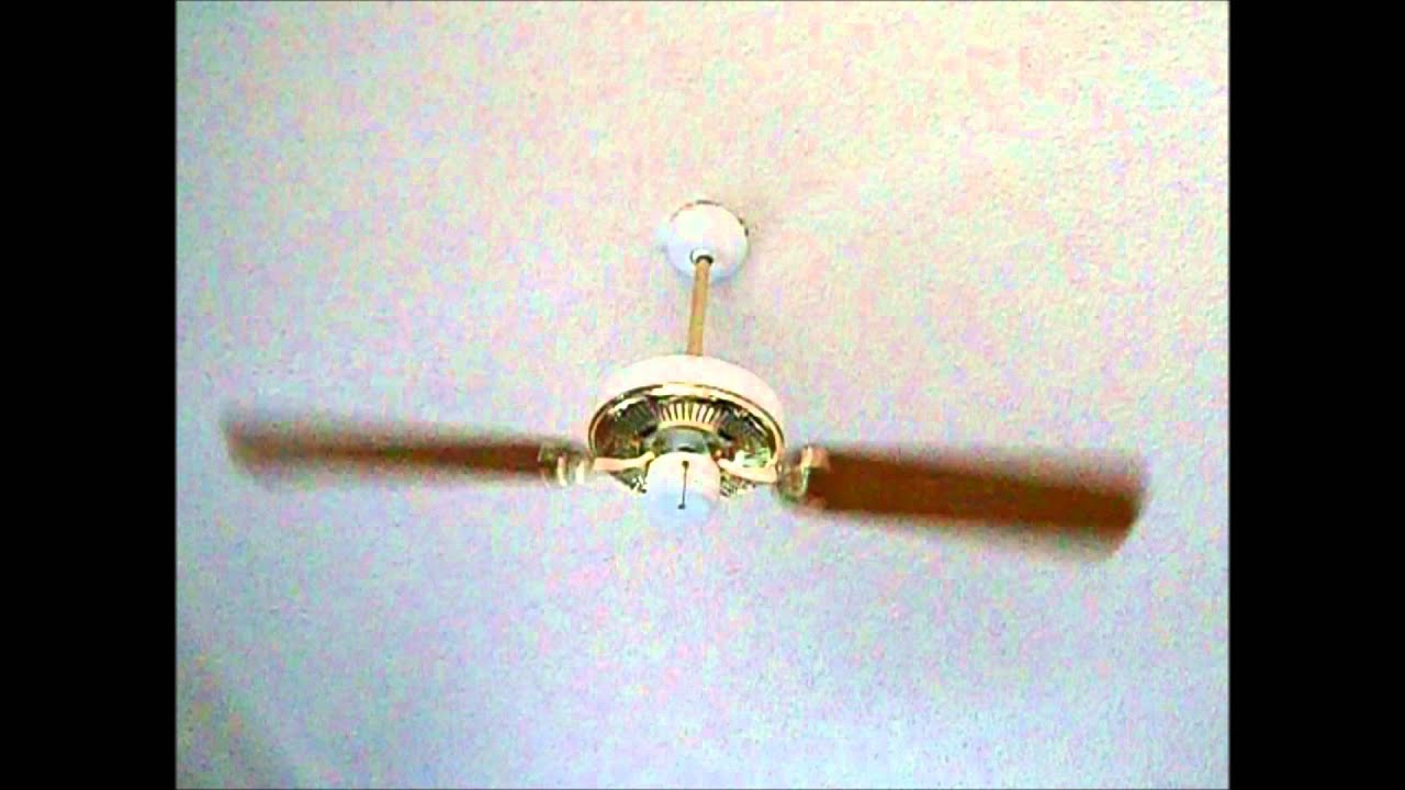 2 Blade Seagull Lighting Fan Running Sds On Wall Control While Low Pull Chain You