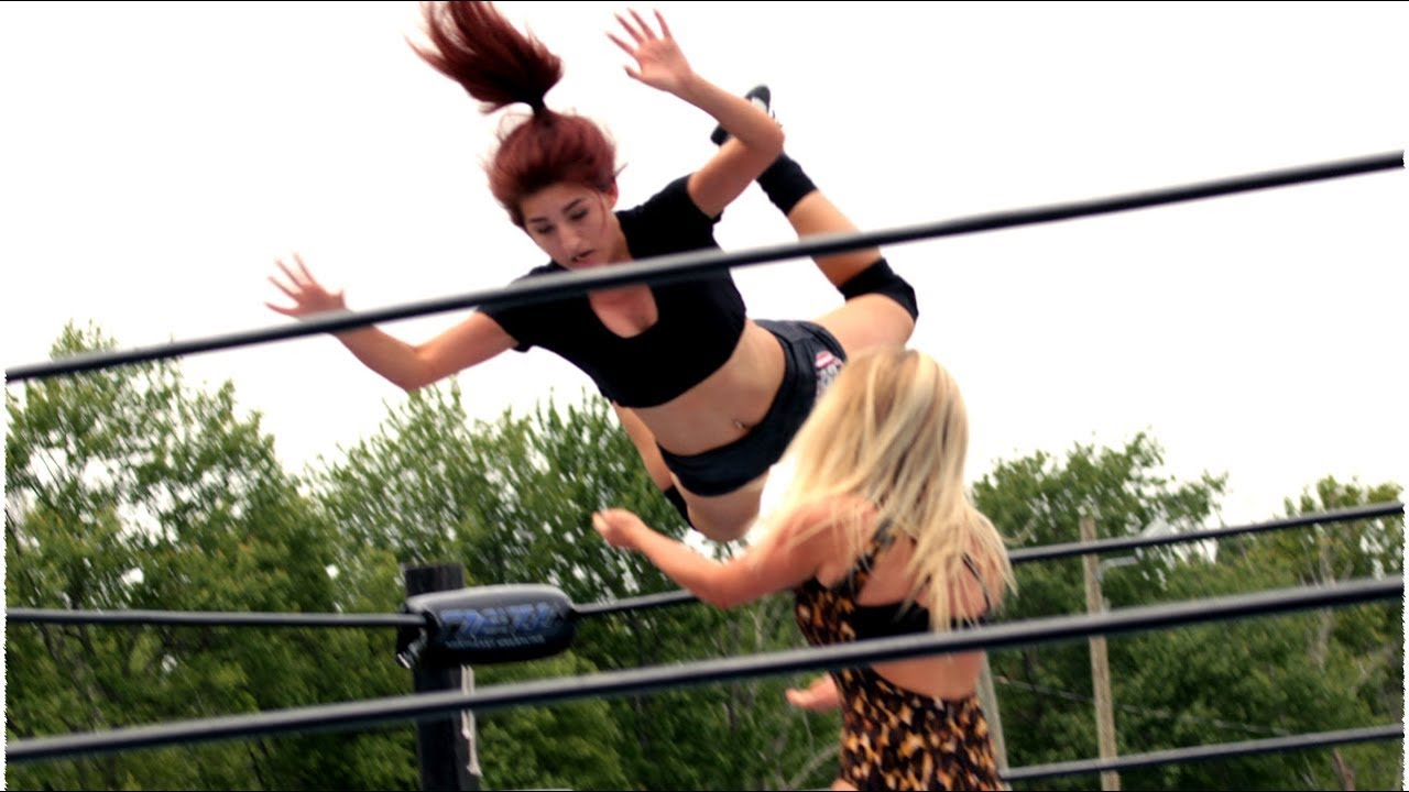 Download Women's Wrestling: Picture Perfect Sierra vs. Penelope Ford