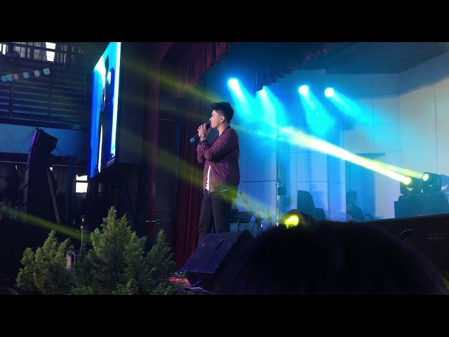 Joemarie Nielsen Serenades Freshman Students in University of Baguio