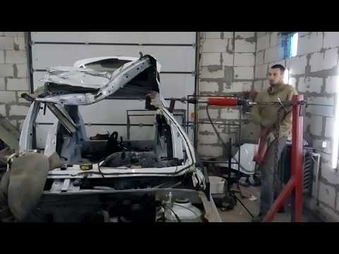 Renault Sandero , вытяжка крыши за 1 минуту на напольном стапеле