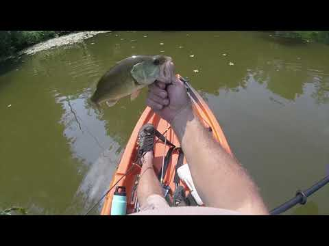 Jig Fishing Stonelick Lake For Largemouth Bass.