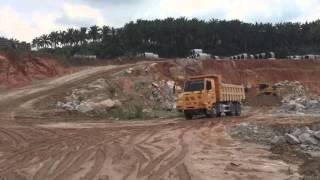 SINOTRUK 47Ton Off-Road Dump Truck - Uphill