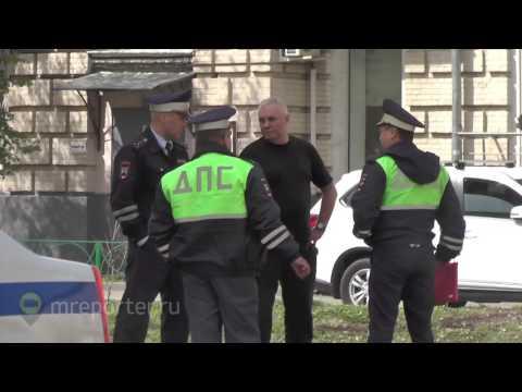 Таксист сбил пешехода на Садовнической улице