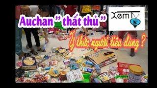 """XemTV   Auchan  giảm giá 50% """" thất thủ """" và ý thức người dân Việt Nam khi đi mua sắm ?"""