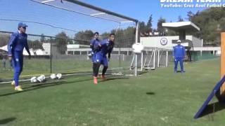 Đây là cách các thủ môn hàng đầu thế giới tập luyện