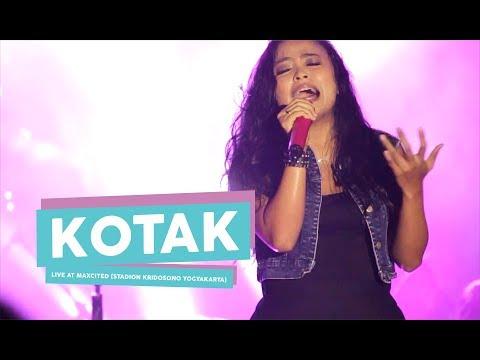 [HD] Kotak - Selalu Cinta (Live at MAXCITED , Yogyakarta 2017)