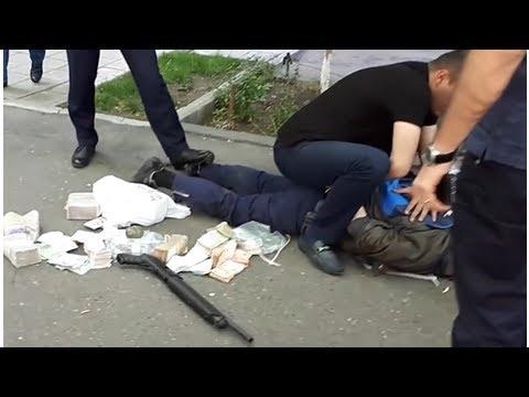 В Ереване полковник полиции, пытаясь ограбить банк HSBC, убил одного сотрудника и ранил еще двух че