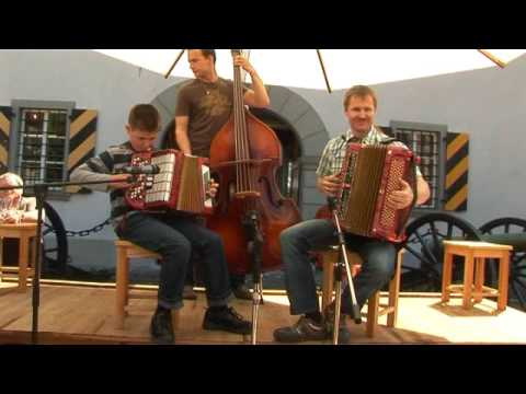 Trompeten Echo auf dem Brandlechter Oktoberfest 2016 from YouTube · Duration:  2 minutes 14 seconds