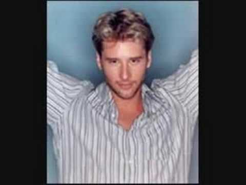 chesney-hawkes-i-m-a-man-not-a-boy-anonmus9