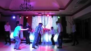 Украли невесту? Потанцуем!