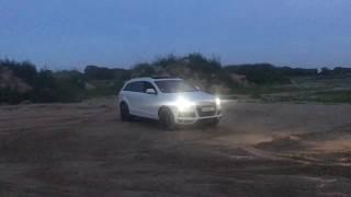 Ауди ку7 (Audi Q7) первый раз загнали в песок