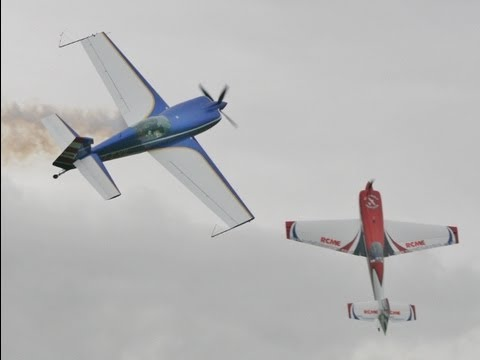 EXTRA DUO - AMAZING 3D FULL SIZE & RC MODEL DISPLAY FLYING MIKE & CHRIS - HEADCORN 2013