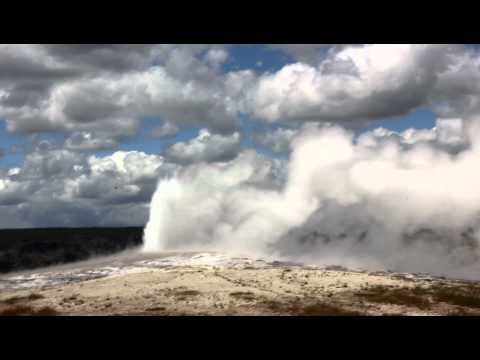 Old Faithful Geyser Live!-Yellowstone National Park ,Wyoming USA (Vacation June 2012)