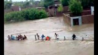Rescue operation during Flood On Peshawar Motorway.flv