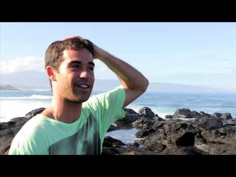 SURFER- On The Rocks