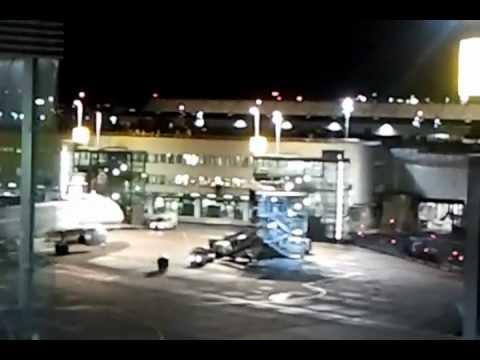 Flughafen Flugzeuge Düsseldorf Nachts