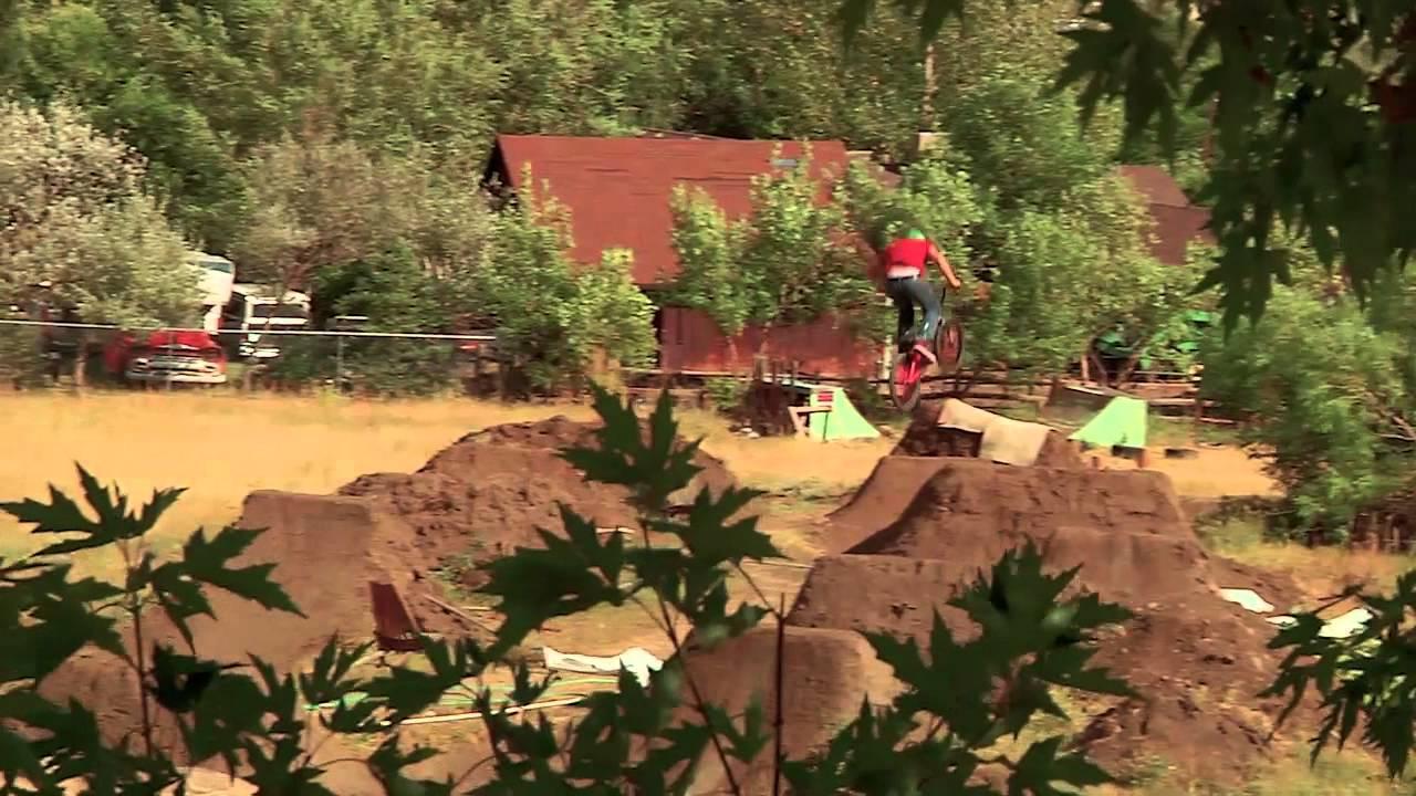 BMX Dirt Jumping - Brian Banghart's Backyard Trails - YouTube