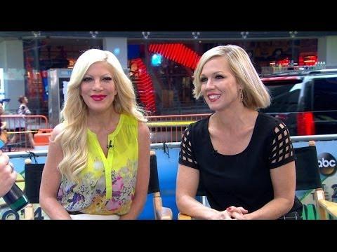 'Beverly Hills, 90210' Stars Reunite in New Show