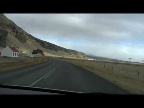 Driving from Seljalandsfoss to Skógafoss in Iceland (real time)