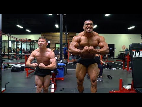 INSANNNEEE CHEST WORKOUT WITH TRISTYN, BRADLEY, LARRYWHEELS, AND AARON!