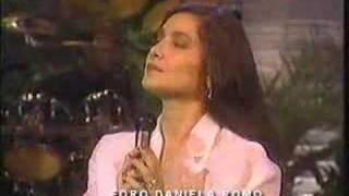 """Daniela Romo """"Quiero amanecer con alguien"""""""