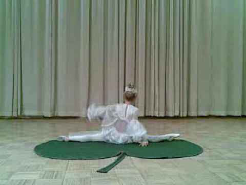 Circus group Jauniba, Kauchuk - Anna Korotkova