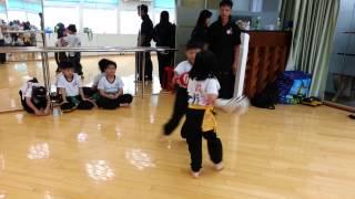 兒童進階詠春 6歲女拳王打到對手叫救命