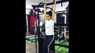celebrities accept challenge workout #humfittohindiafit