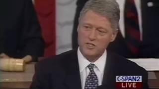 Bill Clinton gets standing ovation for speech on immigration, deportation
