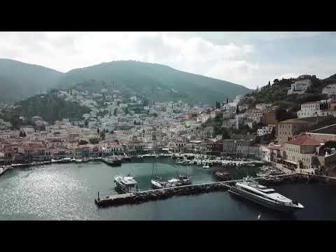 希腊小岛的渔港 - Fishing port of Hydra (Idra) island, Greece