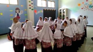 Kelas 1A 2016/2017 ESLUHA ALL SMART SDIT Luqman Al Hakim Sleman Hokey Pokey