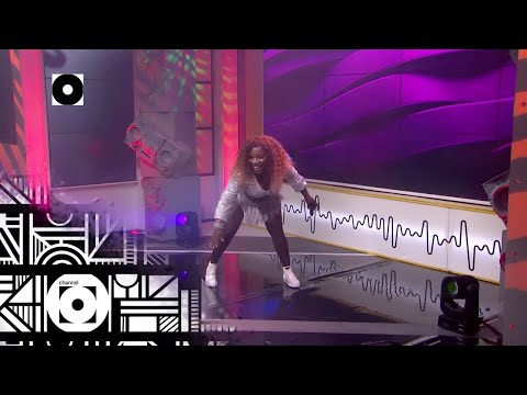 Makhadzi Performs 'Tshelede Iya Hana' - Massive Music | Channel O