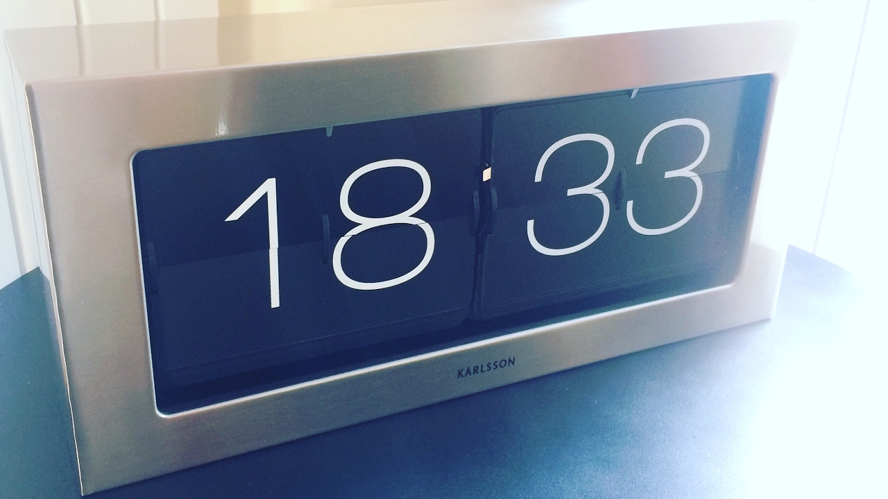 Karlsson XL Flip Clock (unboxing U0026 Review)