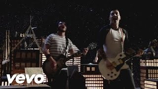 Watch Bayside Carry On video