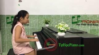 Gambar cover Lớp piano trẻ em - Trâm Anh - Beatyful In White & A Little Love [Upponia.com - Tuhocpiano.com]