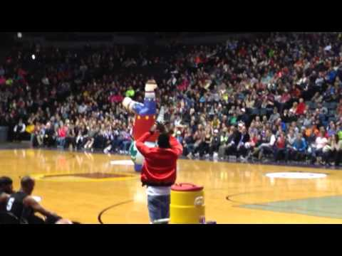 Harlem Globetrotters I Get Knocked Down Flop Dance