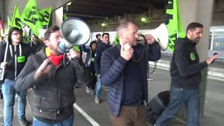 Les cheminots manifestent dans la Gare de Lyon (9 avril 2018, Paris)
