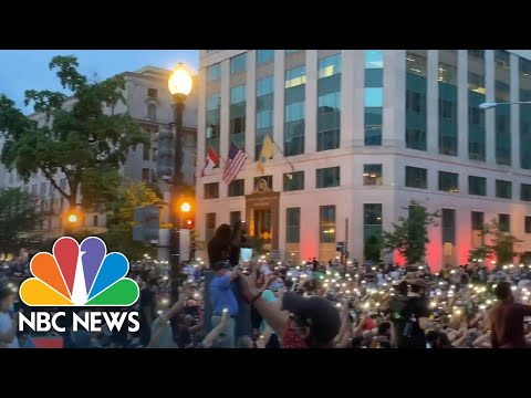 Watch George Floyd Protesters Sing 'Lean On Me' | NBC News NOW